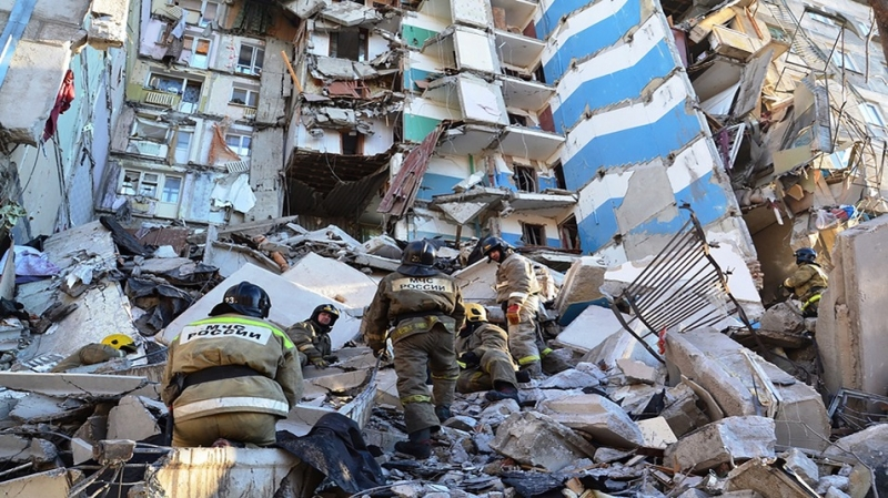 As Death Toll From Russia's Collapsed Apartment Block Rises, Putin's 2019 Schedule Available