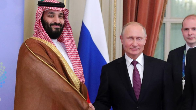 Putin Clumsily Attempts to Exploit Gulf Tensions