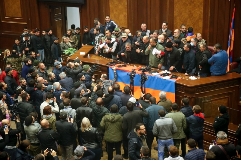 Armenia At The Crossroads: War Or Peaceful Co-Existence With Azerbaijan