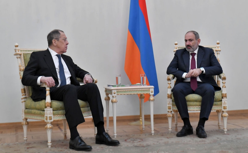 """Lavrov Says Russia """"Committed"""" to Armenian Security"""