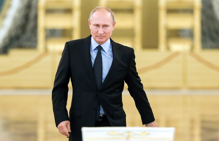 Putin inaugurated as Russian president amid protest at home, uncertainty in Armenia & worldwide