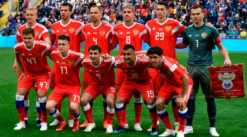 Football & politics: Putin invites Russian team players, head coach to discuss World Cup results
